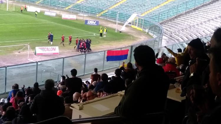 L'esultanza della Vigor Senigallia al gol di Siena